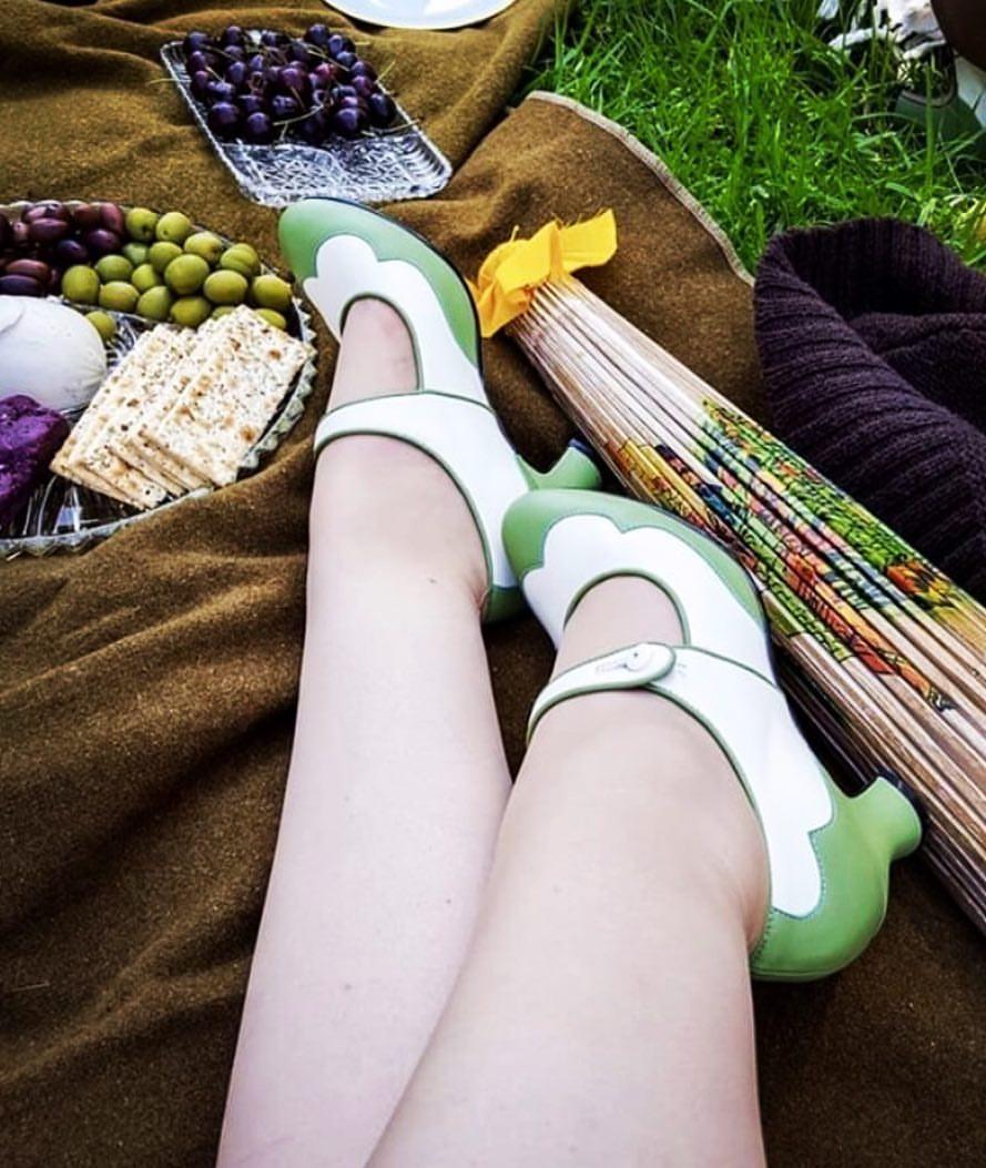 two toned 1920s heels